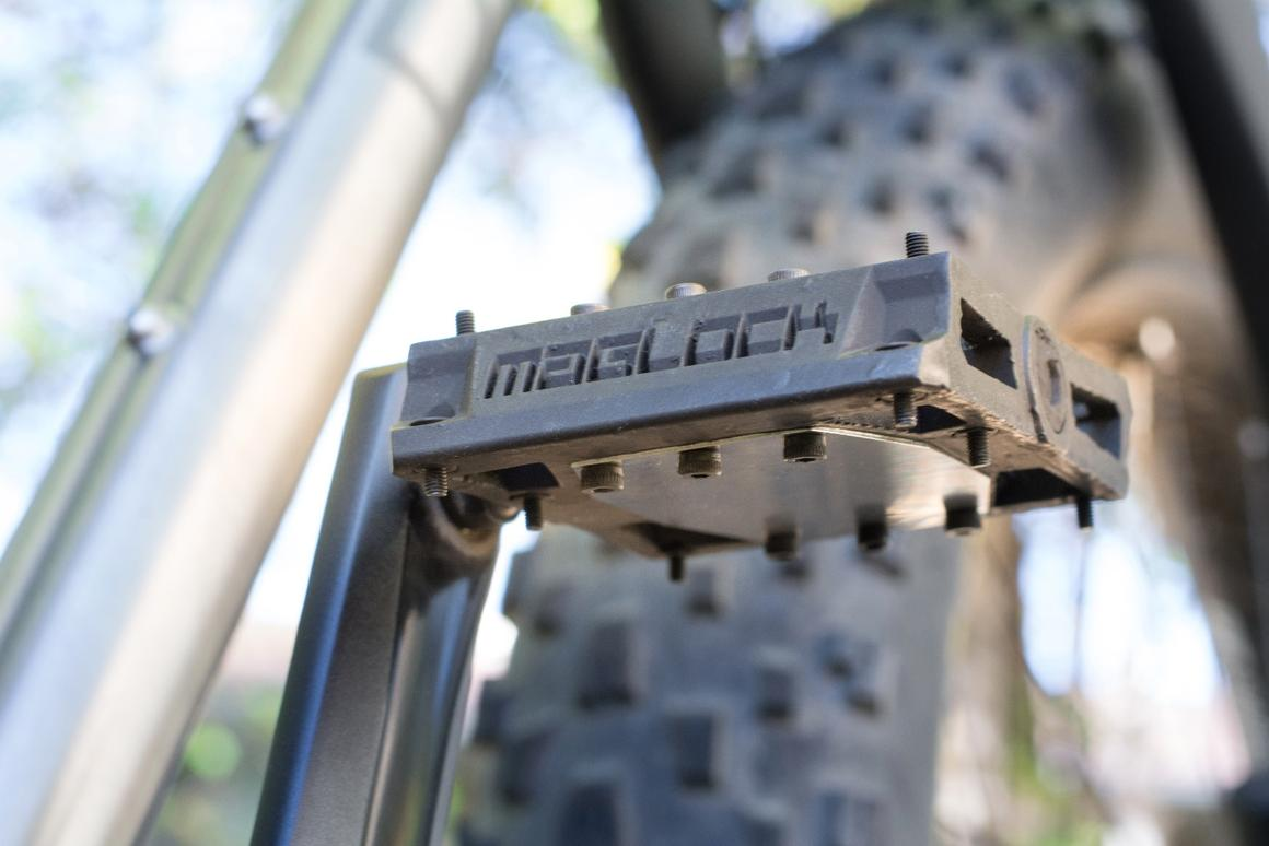 Maglock Vault pedals keep riders' feet in place using magnets