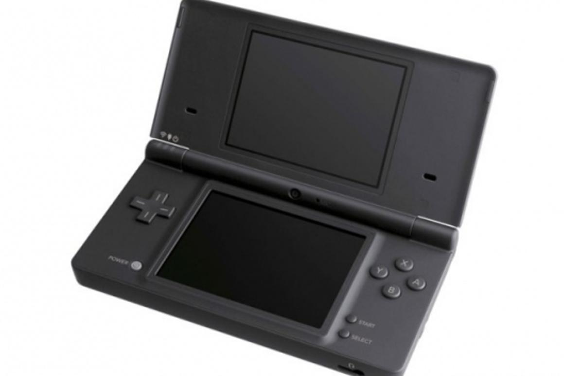 Nintendo DSi launches April 5 in the United States