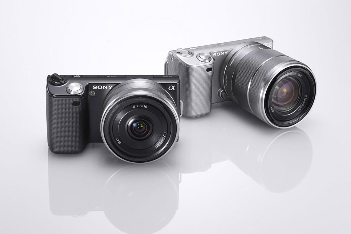Sony releases 3D firmware upgrade for NEX cameras