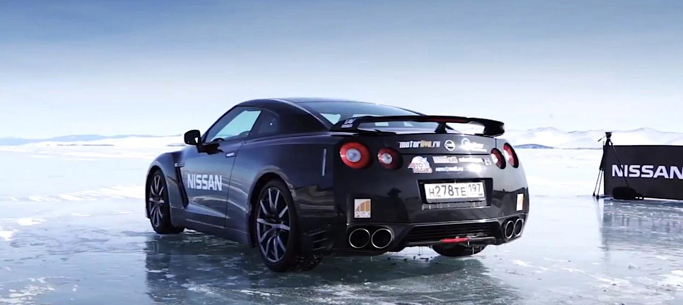 The GT-R captures Russia's ice speed record