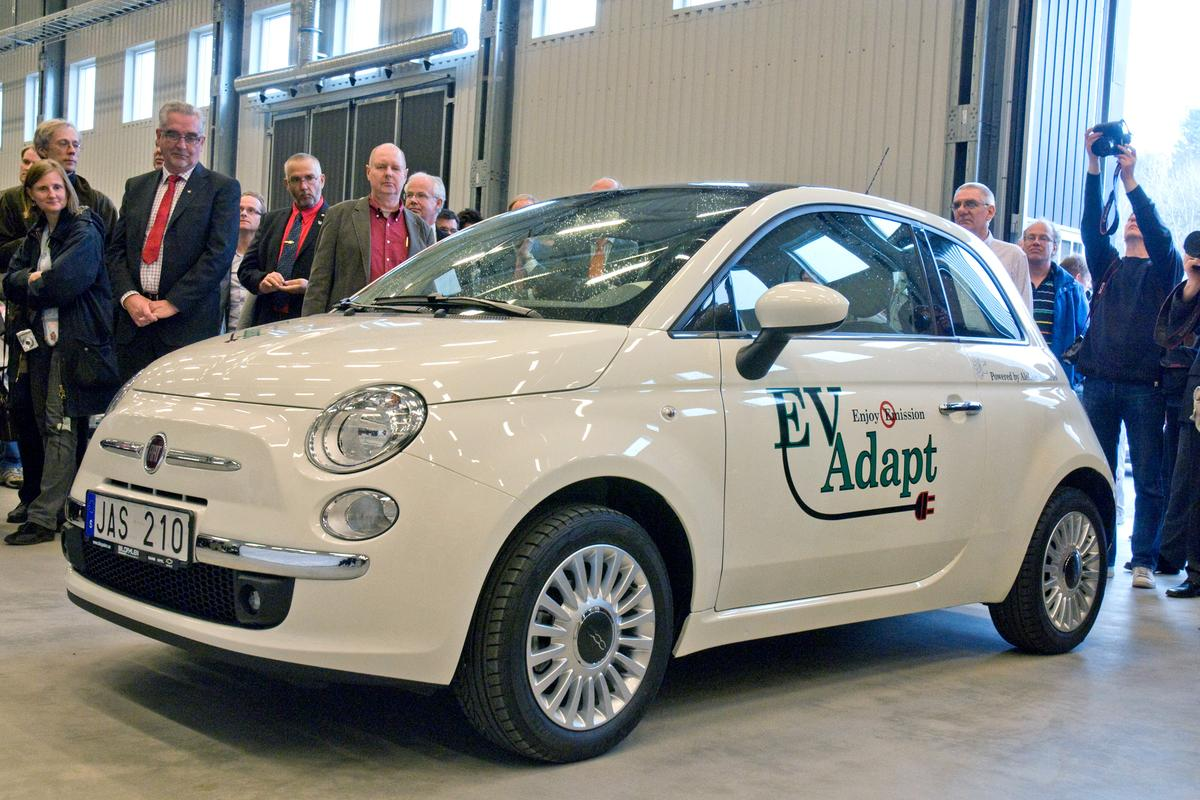 The CARe 500 is an electric version of the Fiat 500, and is now available in Europe