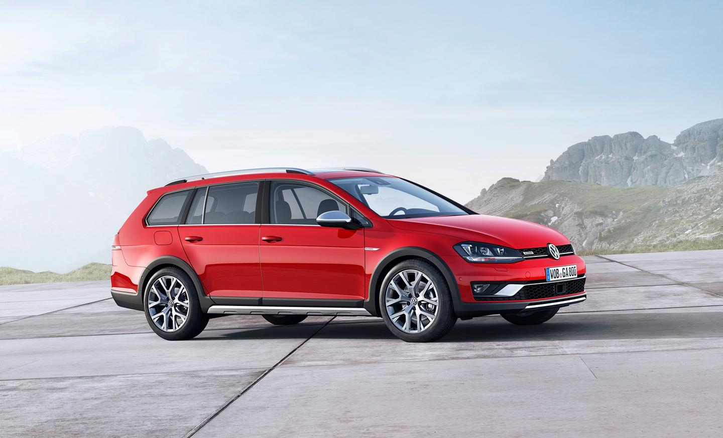 The VW Golf Alltrack comes with a choice for four engines