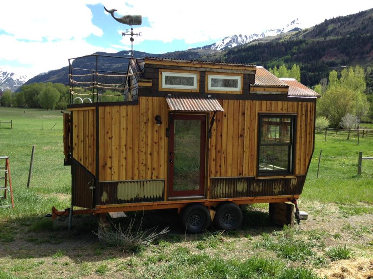 The tiny housecan also be outfitted with solar power and batteries if the owner wishes to go fully off-the-grid