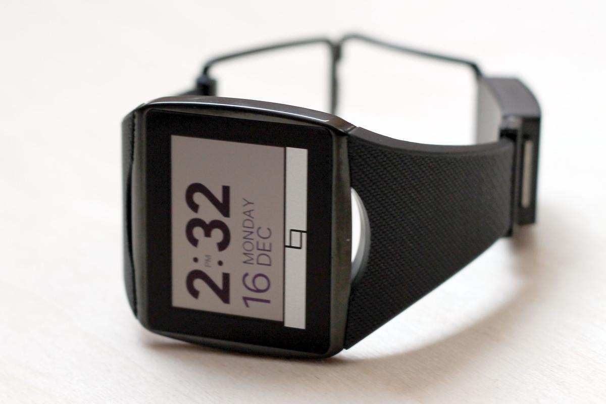 Gizmag goes hands-on to share our first impressions of the limited-edition Toq smartwatch