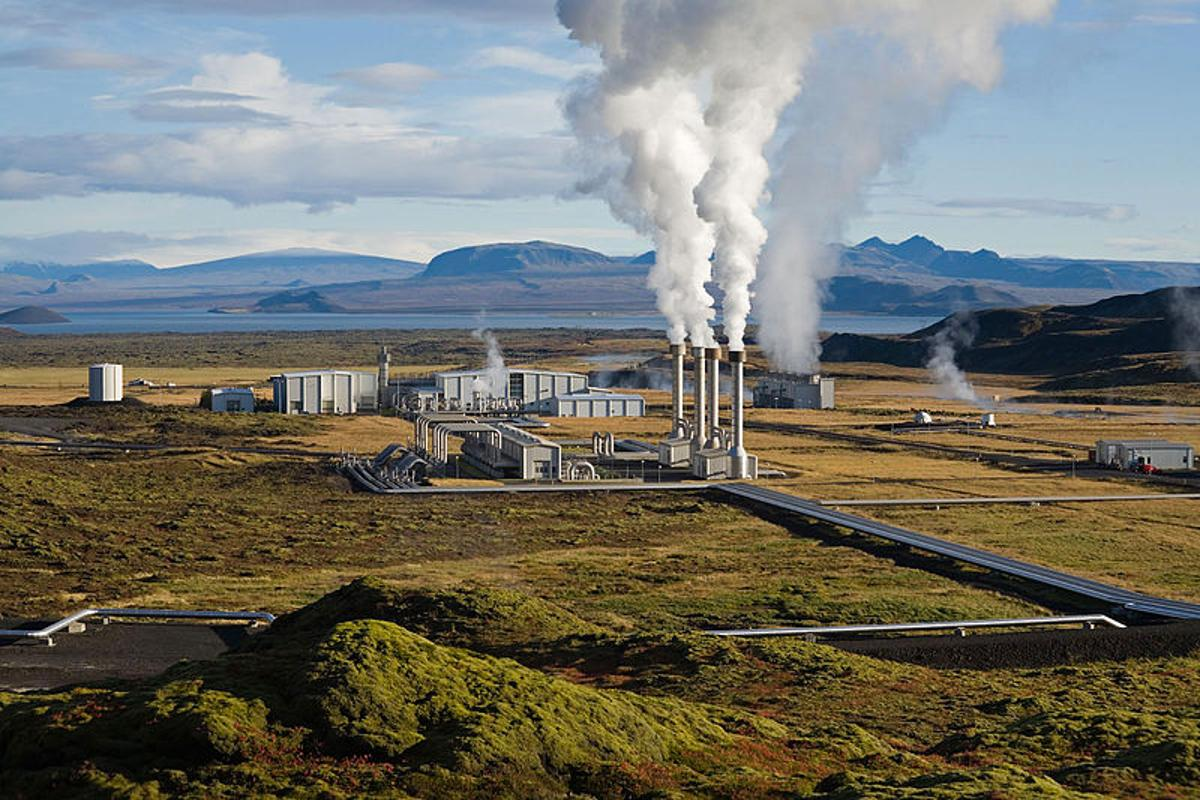 Two scientists are proposing the use of high-pressure carbon dioxide, instead of water, for extracting geothermal heat from the Earth