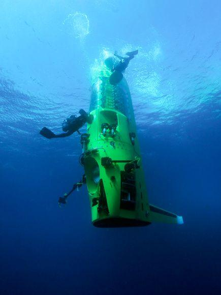 Rendering of Deepsea Challenger indive mode (Photo: Mark Thiessen/National Geographic)