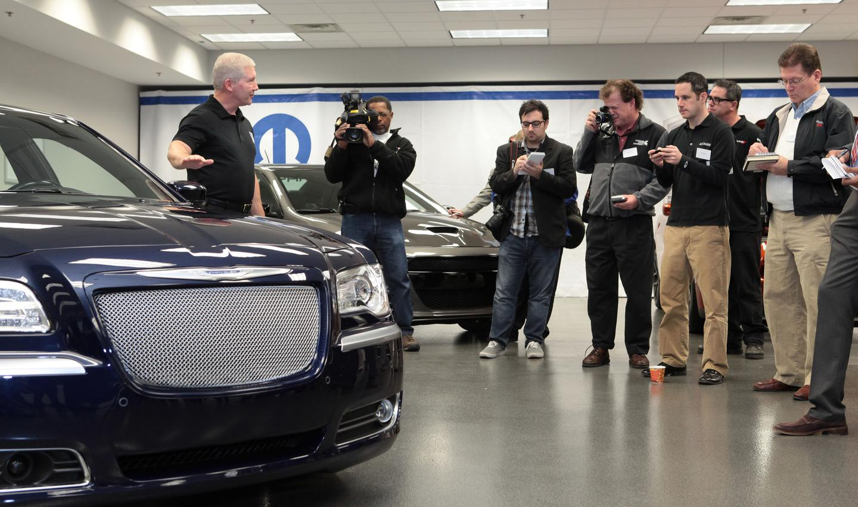 Chrysler executives unveil the SEMA vehicles