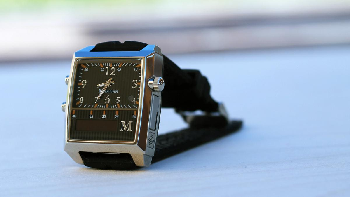 Gizmag reviews the Martian Watch, a smartwatch that puts the power of Siri and Google Now on your wrist