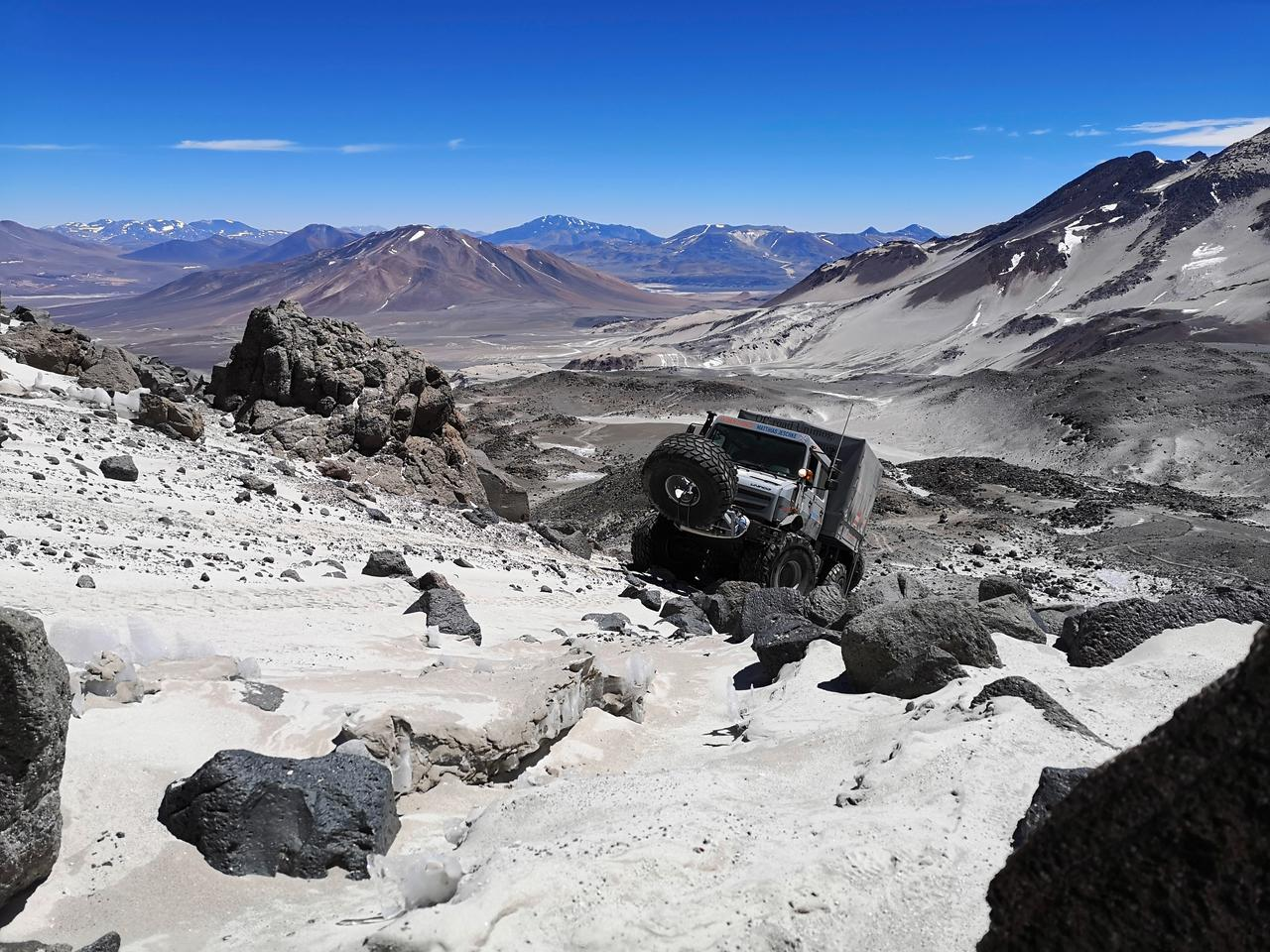 Extreme off-road Unimog U 5023 trucks assist an expedition team in Chile