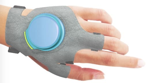 In lab tests using a rig designed to replicate severe hand tremors, the GyroGlove prototype reportedly reduced those movements by over 80 percent