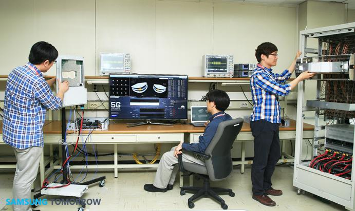The 5G millimeter-band transceiver has been developed by Samsung Electronics