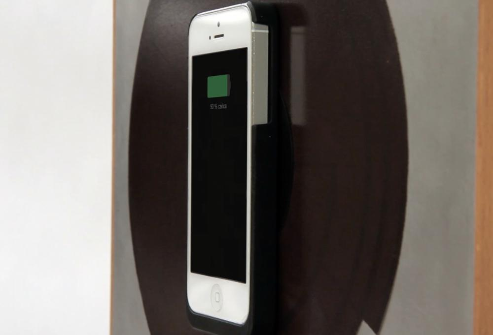 Your smartphone can be attached to Spira via a special magnetic case