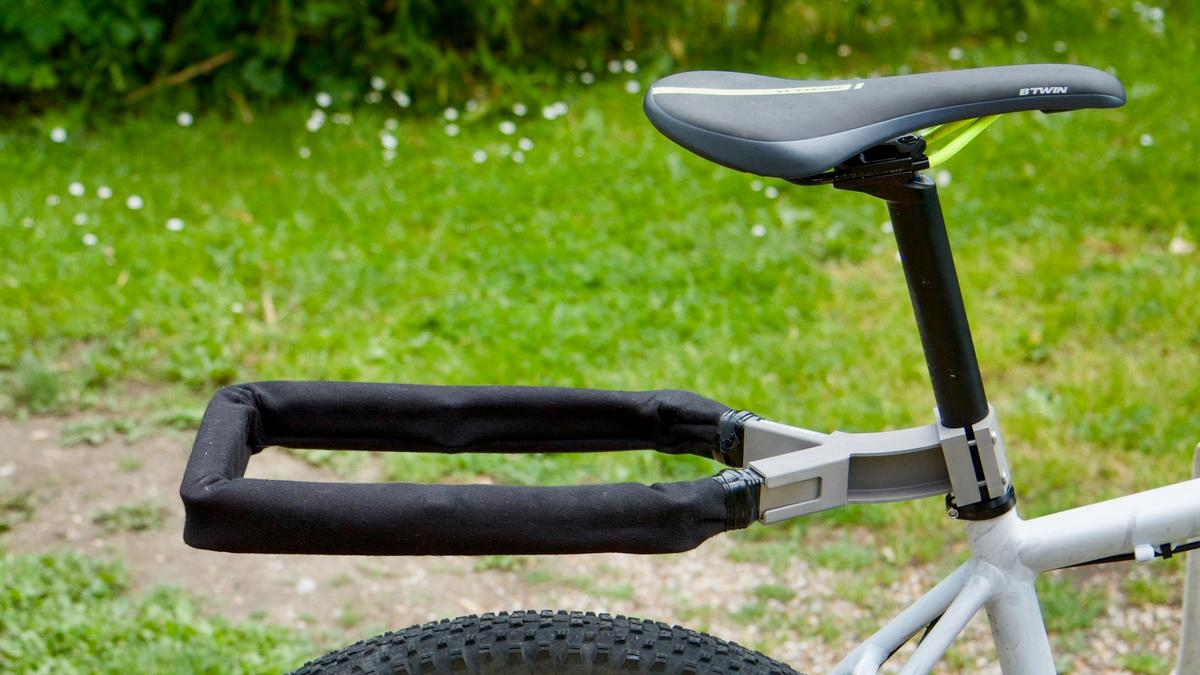 When being used as a rack, theNexibi gets attached to a steel bracket that remains permanently mounted on the seatpost