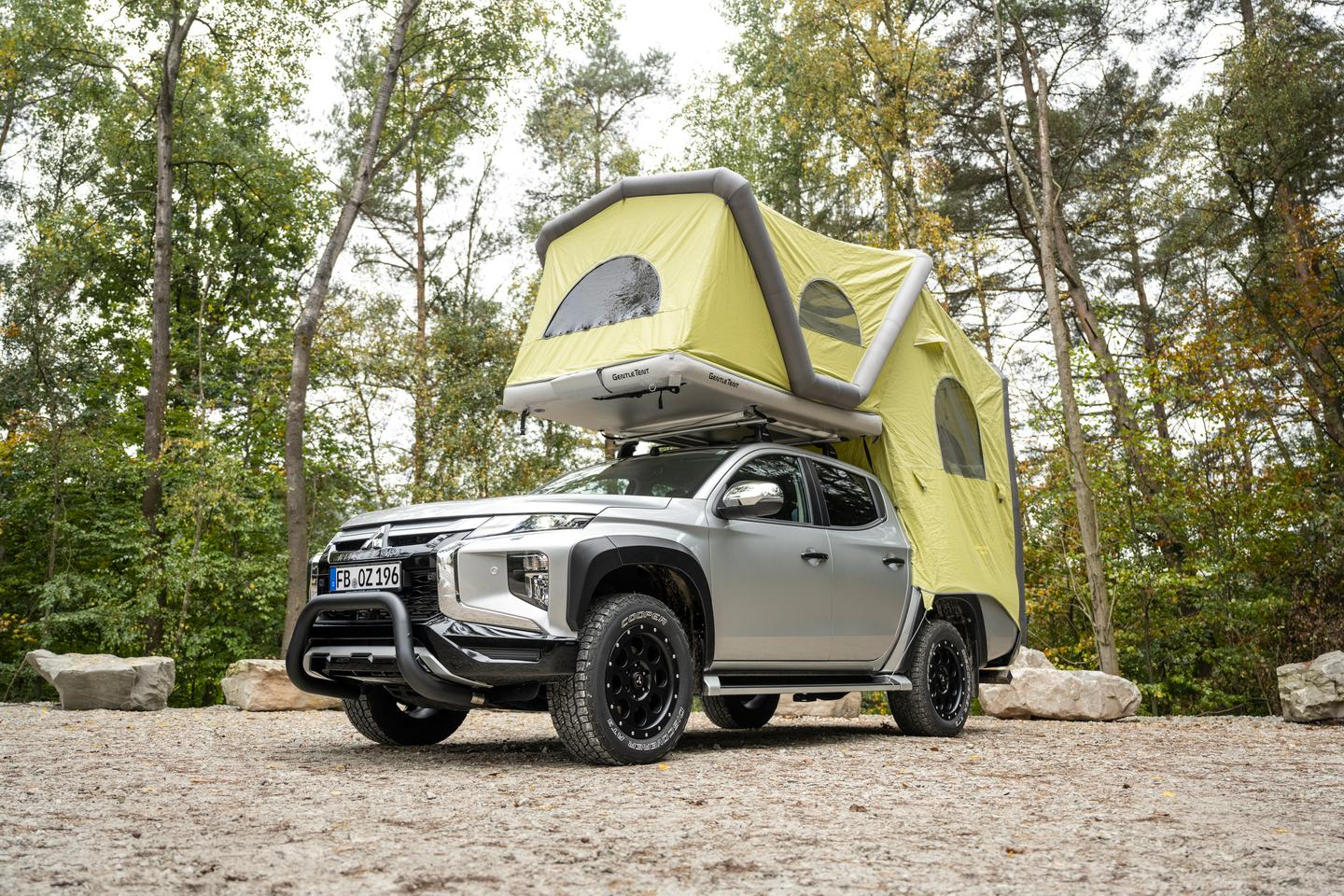 Mitsubishi L200 with GT Pickup inflatable tent camper