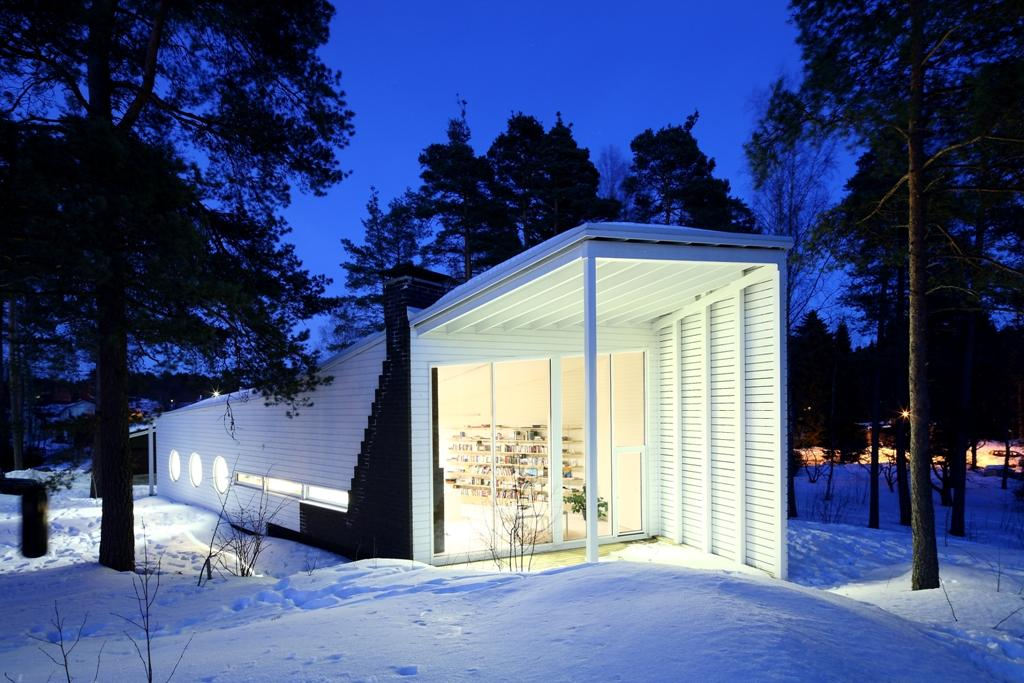 The boat-like Apelle family home, located in Karjaa, Finland
