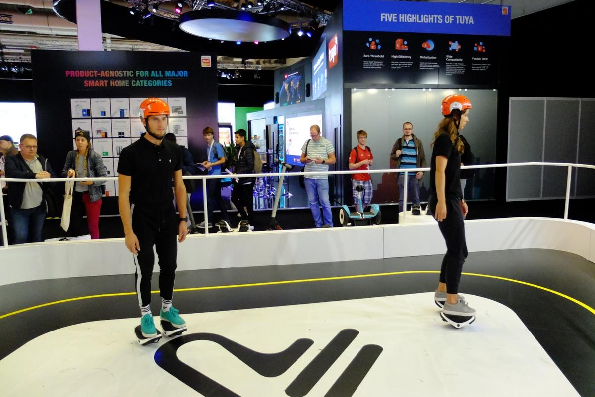 Segway's dancers demonstrate how good the Drift W1 e-Skates can be... on the right feet