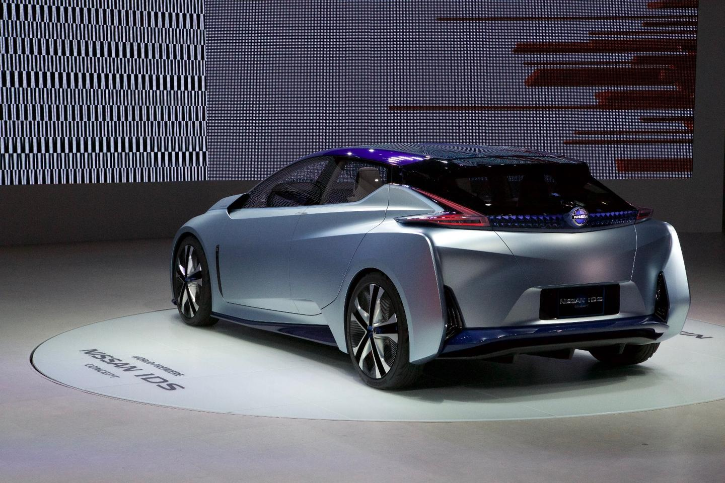 Nissan IDS Concept as seen from the rear quarter on the Tokyo Show floor