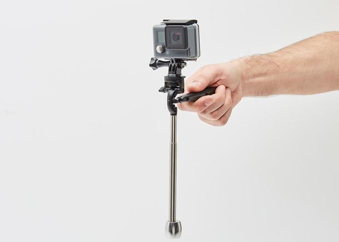 You simply clamp your phone or GoPro camera into the Smoovie, and drop down a weighted pole to the number corresponding to your device's model