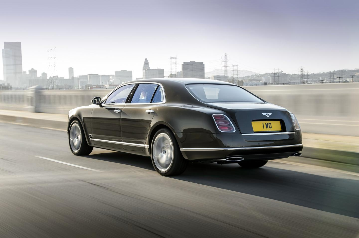 The new Mulsanne Speed is capable of hitting a top speed of 190 mph (305 km/h)