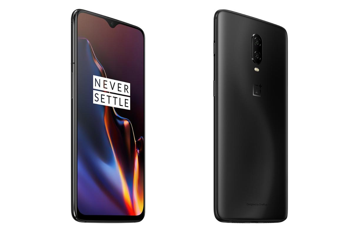 The screen of the OnePlus 6T is slightly larger than its predecessor at 6.41 inches