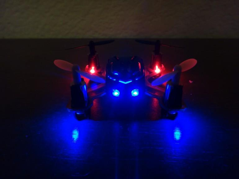 LEDs underneath each rotor on the Proto X flash to indicate when the batteries are about to die