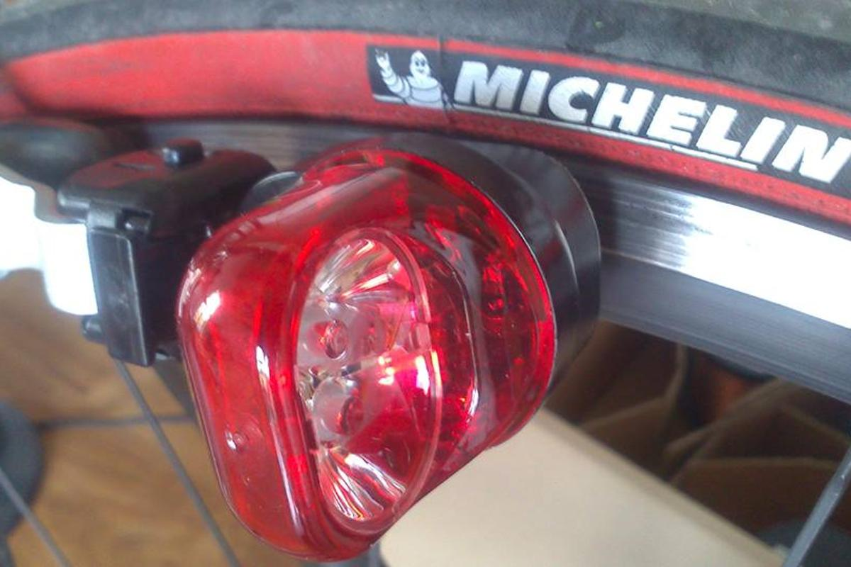 The Magnic Light iC tail light, in place on a bike