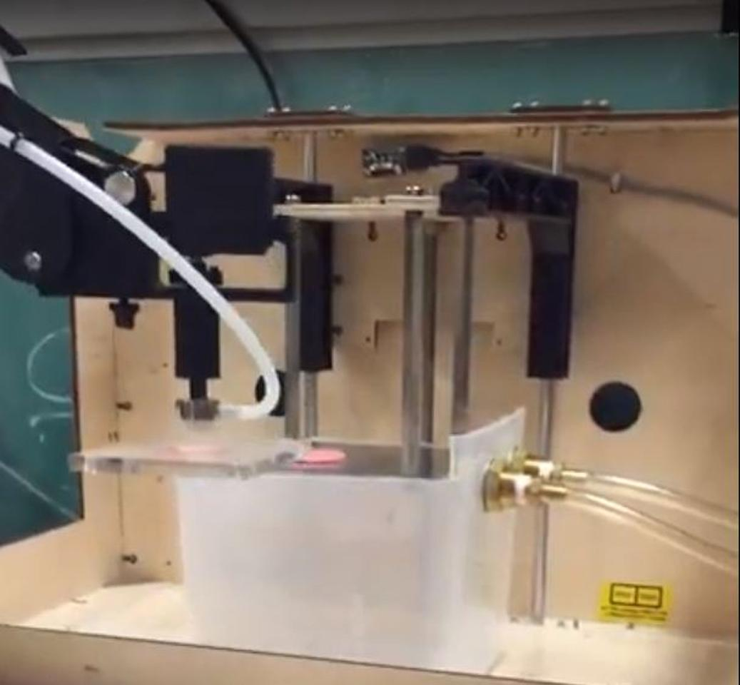 The new system uses 3D printing, a robotic arm, and freezing to scale up biomaterial manufacturing