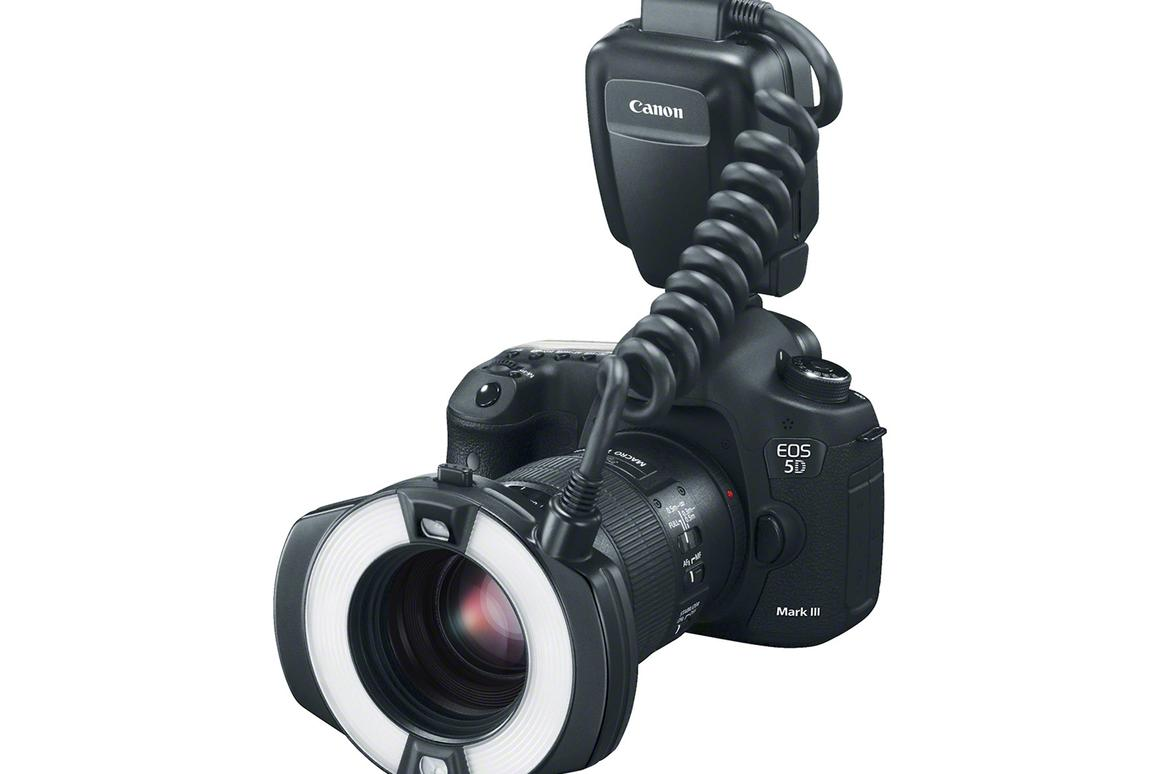 Canon adds T5 to EOS Rebel DSLR range