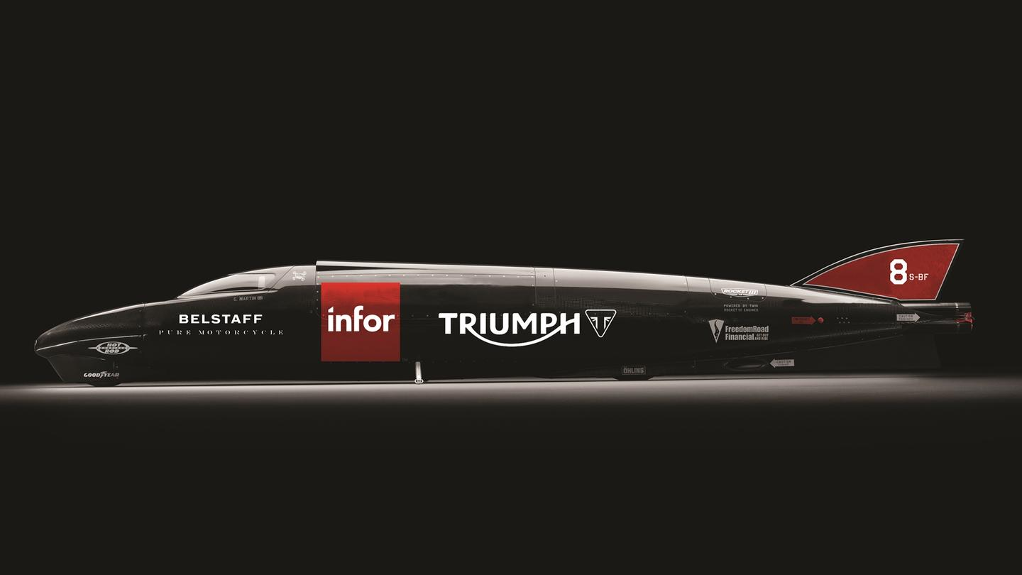 TheRocket Streamliner Rocket Streamliner ispowered bytwo methanol-poweredturbocharged Triumph Rocket III engines thatkick out a combined 1,000 bhp (746 kW) at 9,000 rpm