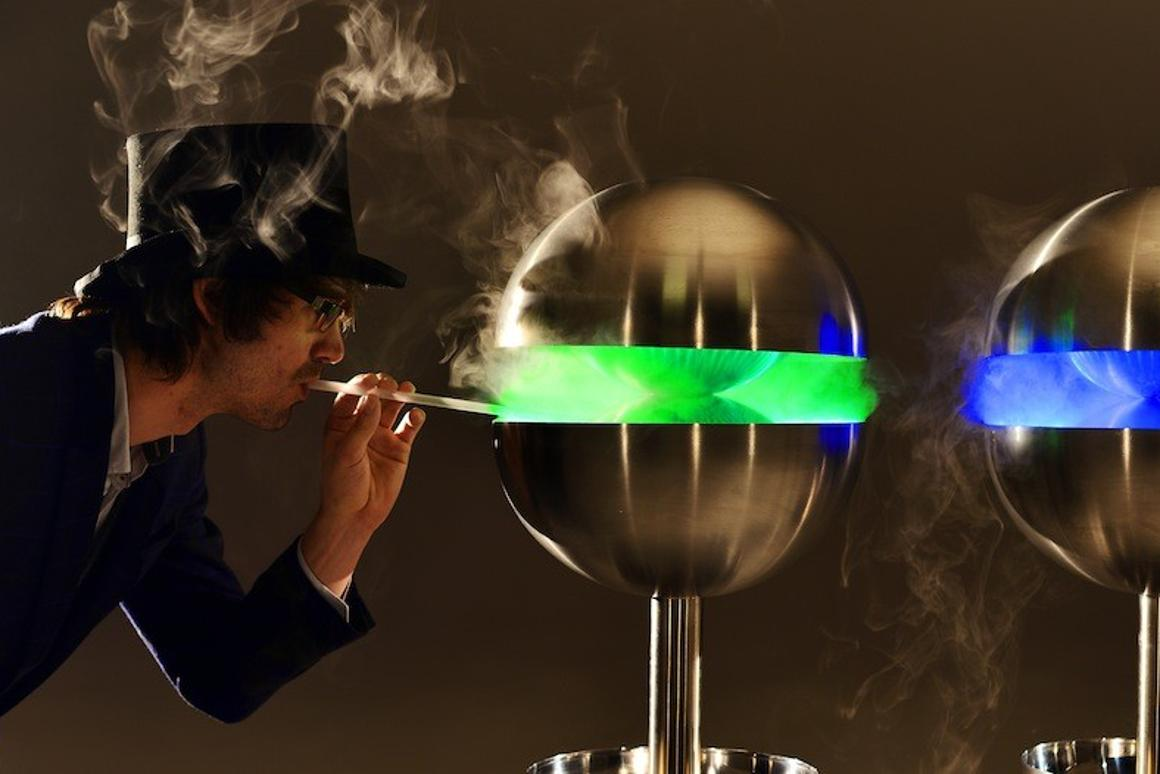 The Edible Mist Machine uses a process described as ultrasonic vaporization to create more than 200 flavors
