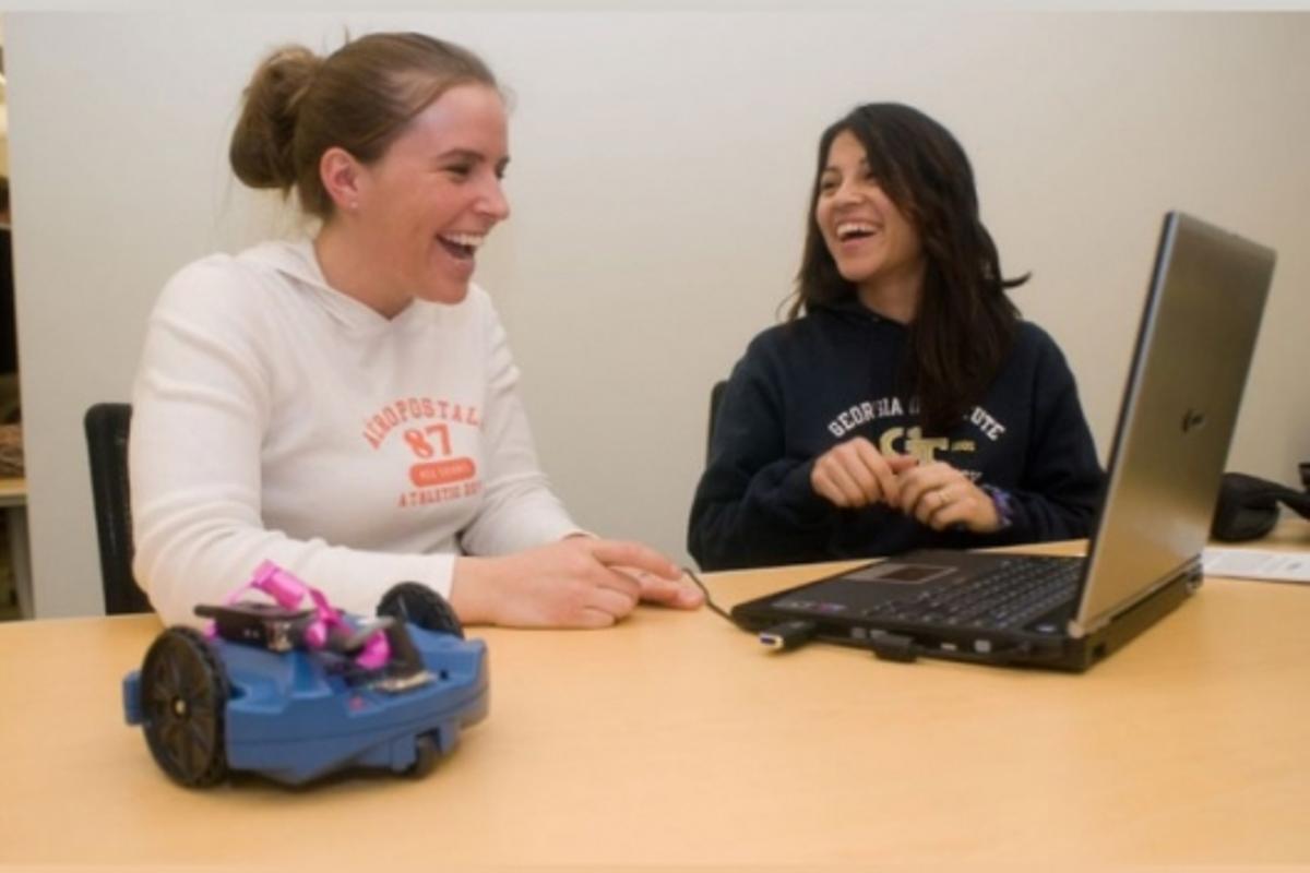 Robots reinvigorate CS classroomsPhoto: IPRE (www.roboteducation.org)