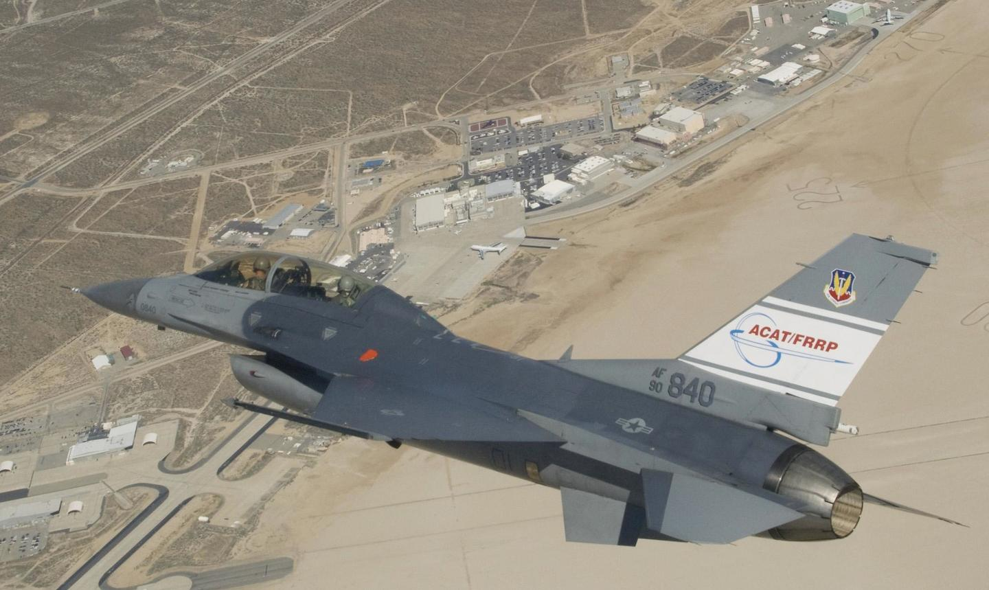 A USAF F-16D banking over NASA's Dryden facility during testing in 2009 (Photo: NASA, Jim Ross)