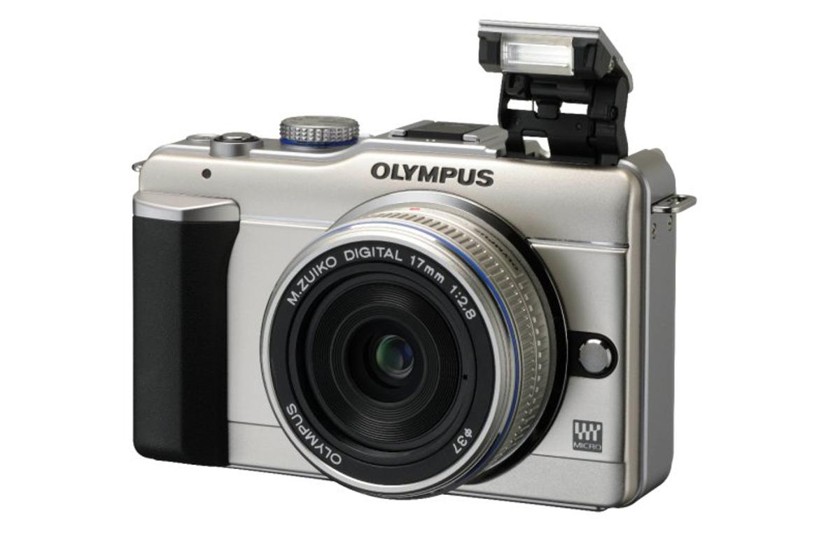 The Olympus PEN E-PL1 features a pop-up flash a new Live Guide mode