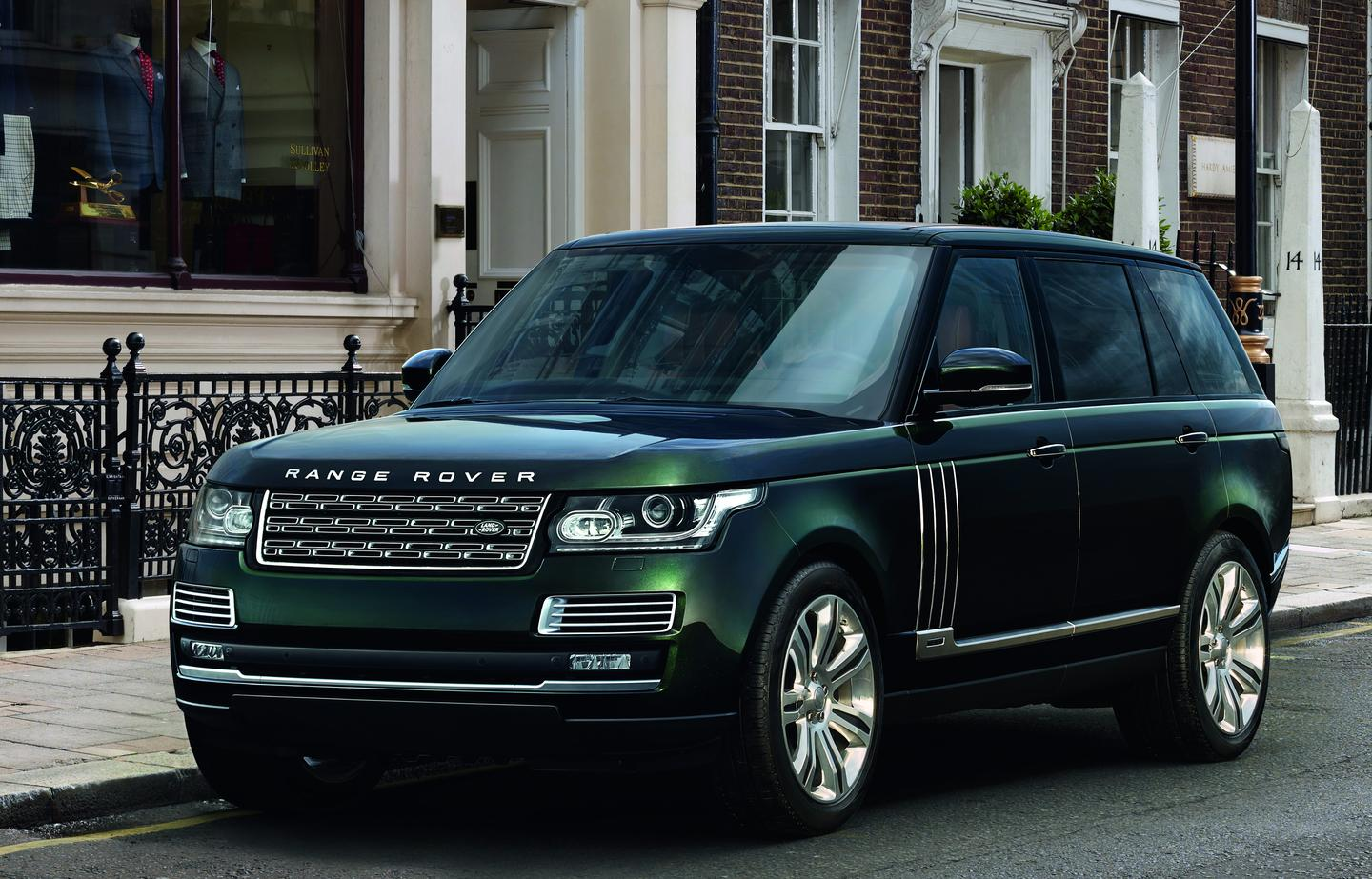The Holland & Holland Range Rover is based on the Range Rover Autobiography Black
