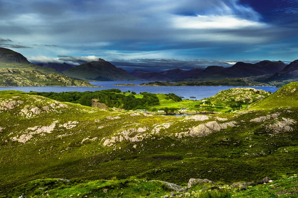 The billion-year-old multicellular microfossil was found at Loch Torridon in the Scottish Highlands