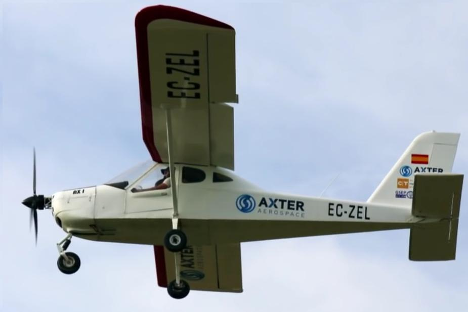 The electric propulsion on the test plane in flight