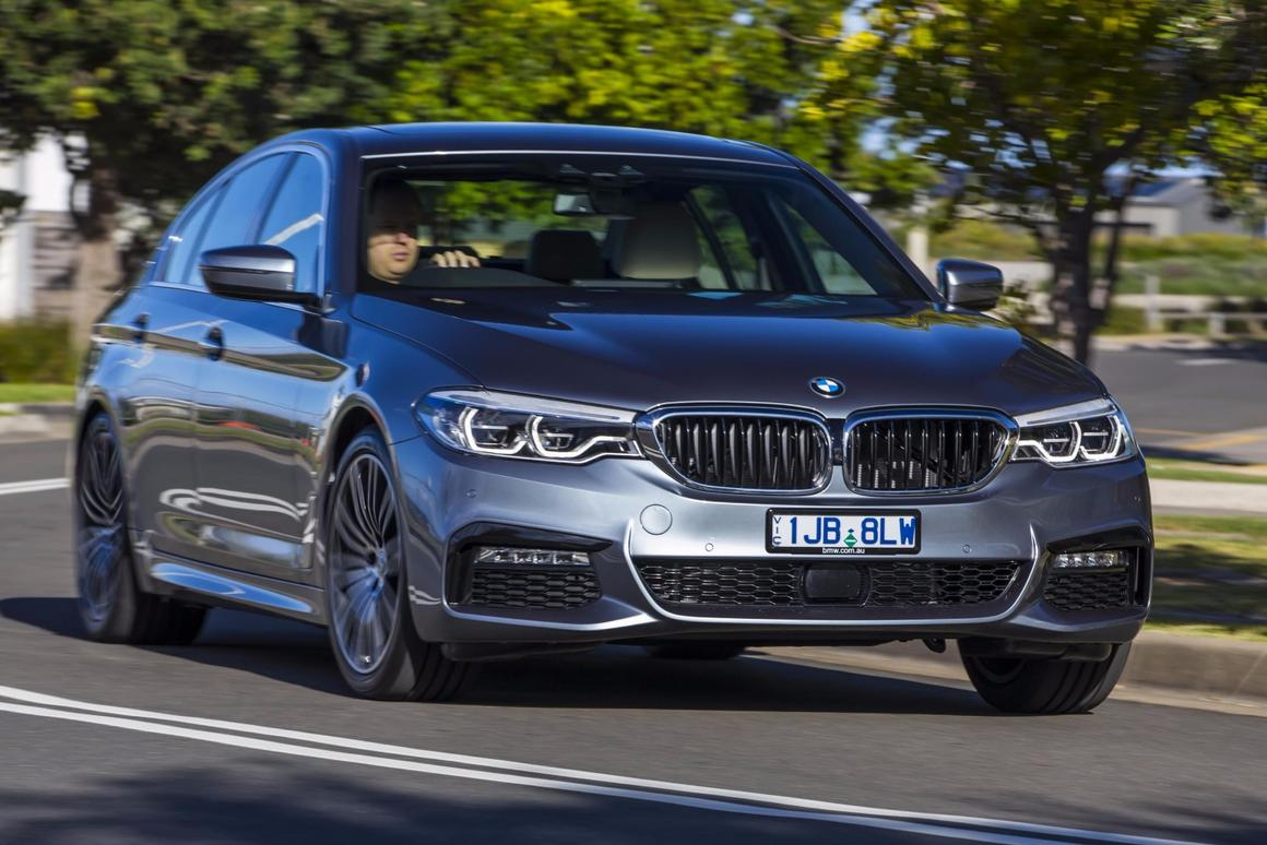 Adding hybrid hardware to the530e iPerformance makes it around 220 kg heavier than the standard 5 Series