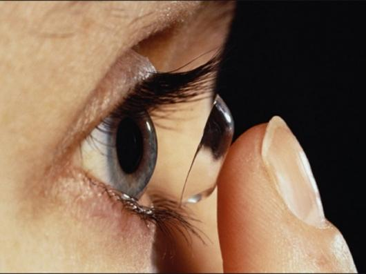 Contact lenses coated with stem cells could help cure some forms of blindness