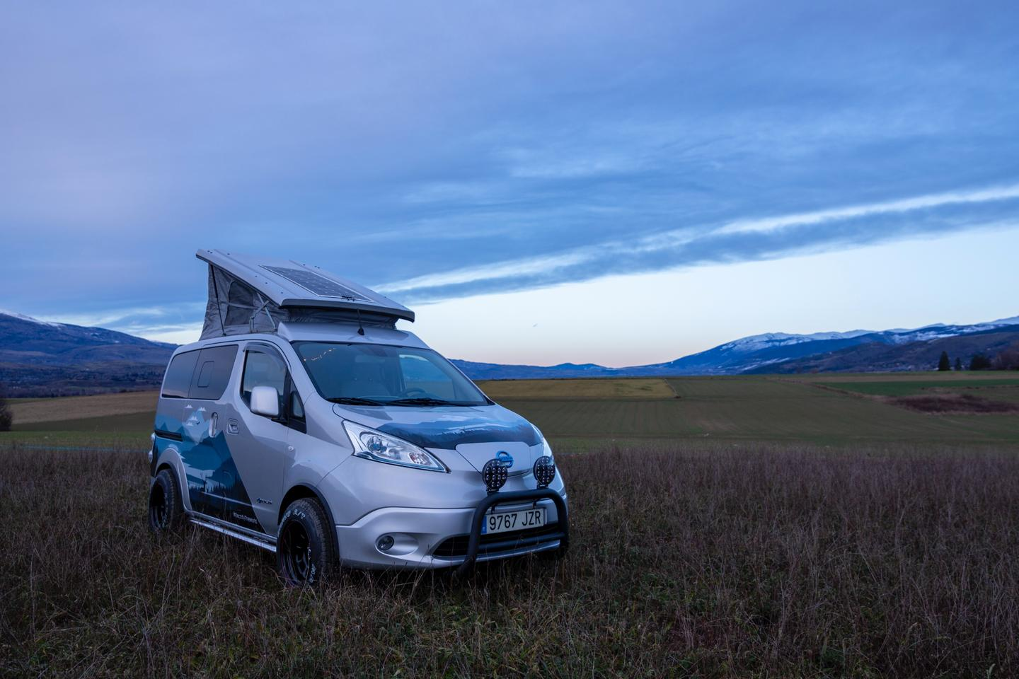 Nissan's e-NV200 Winter Camper also works just fine on dry, green ground