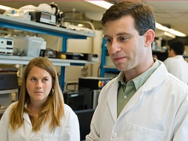 Postdoctoral fellow Bonna Newman, PhD '08 and Tonio Buonassisi, Assistant Professor of Mechanical Engineering and Manufacturing, worked on the project