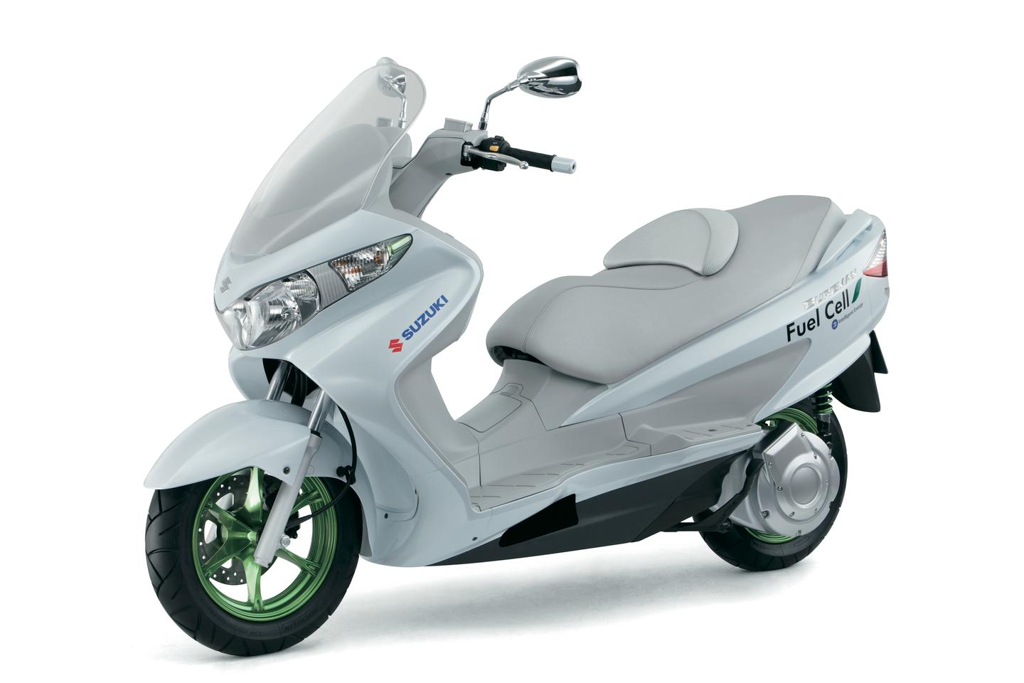 Suzuki's Burgman Fuel Cell Maxi-scooter