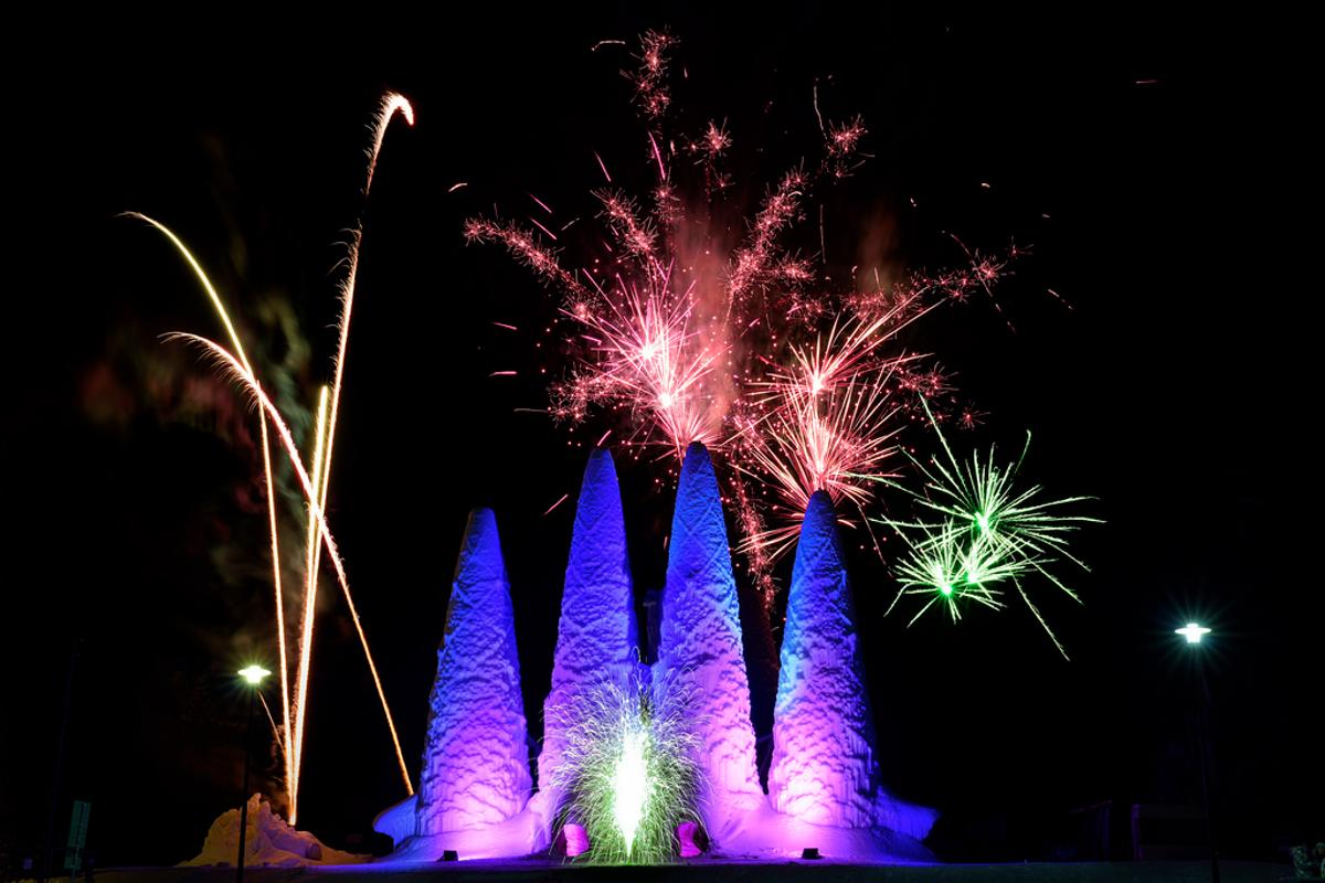 A scale replica of the Sagrada Familia has been created using ice (Photo: Bart van Overbeeke)