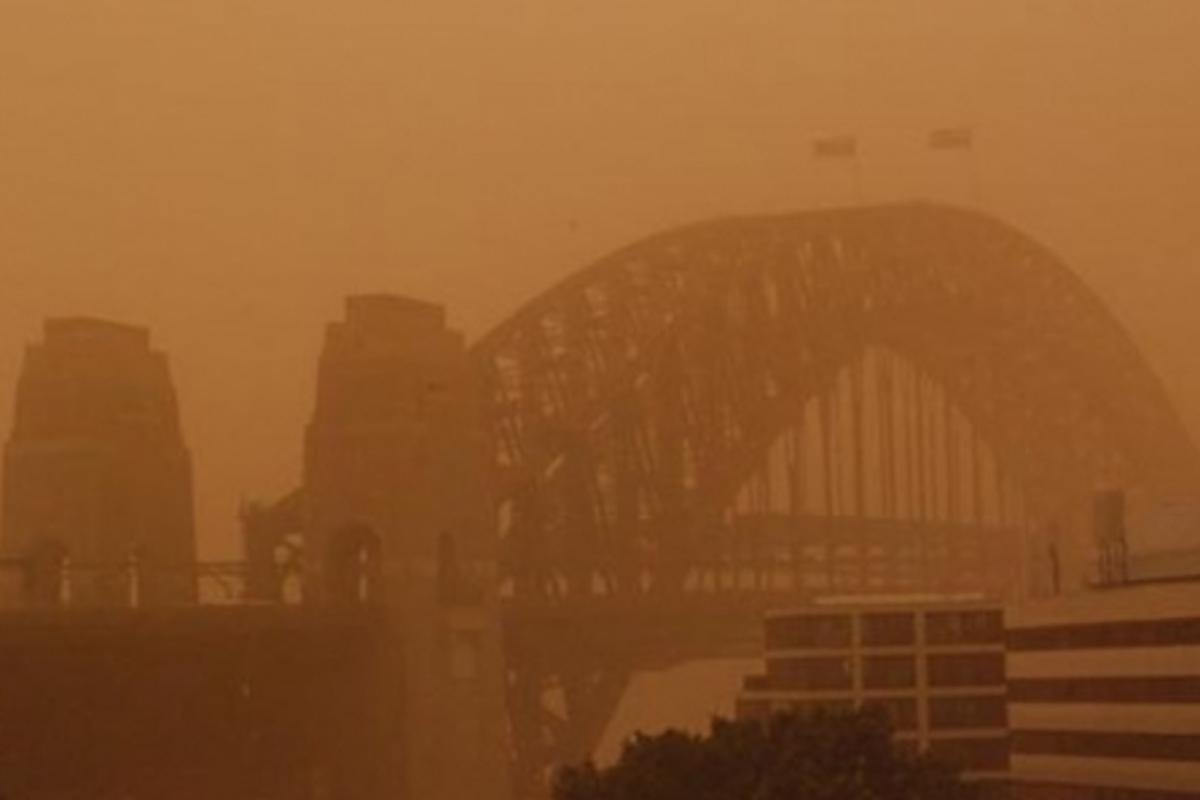 Dust storms like that seen in Sydney, Australia last week can pose serious health risks that last long after the event (Photo: katclay via Flickr)
