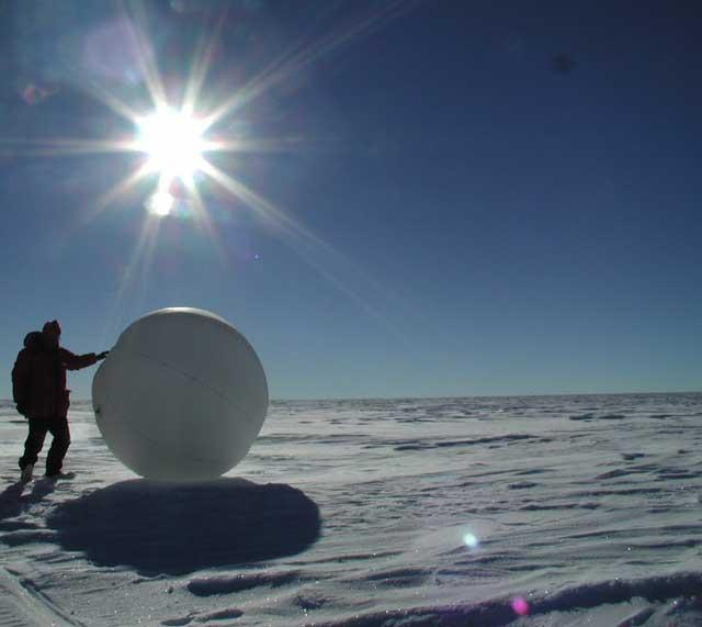 A tumbleweed rover being tested in Antarctica (Photo: NASA)