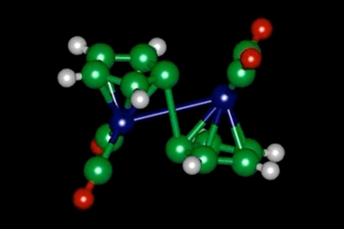 A molecule of fulvalene diruthenium, which changes its configuration when it absorbs heat, and later releases heat when it snaps back to its original shape (Image: Jeffrey Grossman)