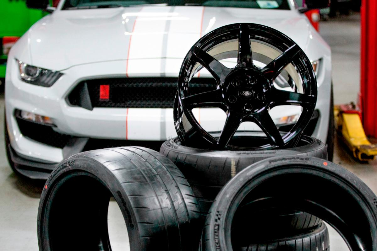 A special ceramic coating has been used to strengthen the wheels