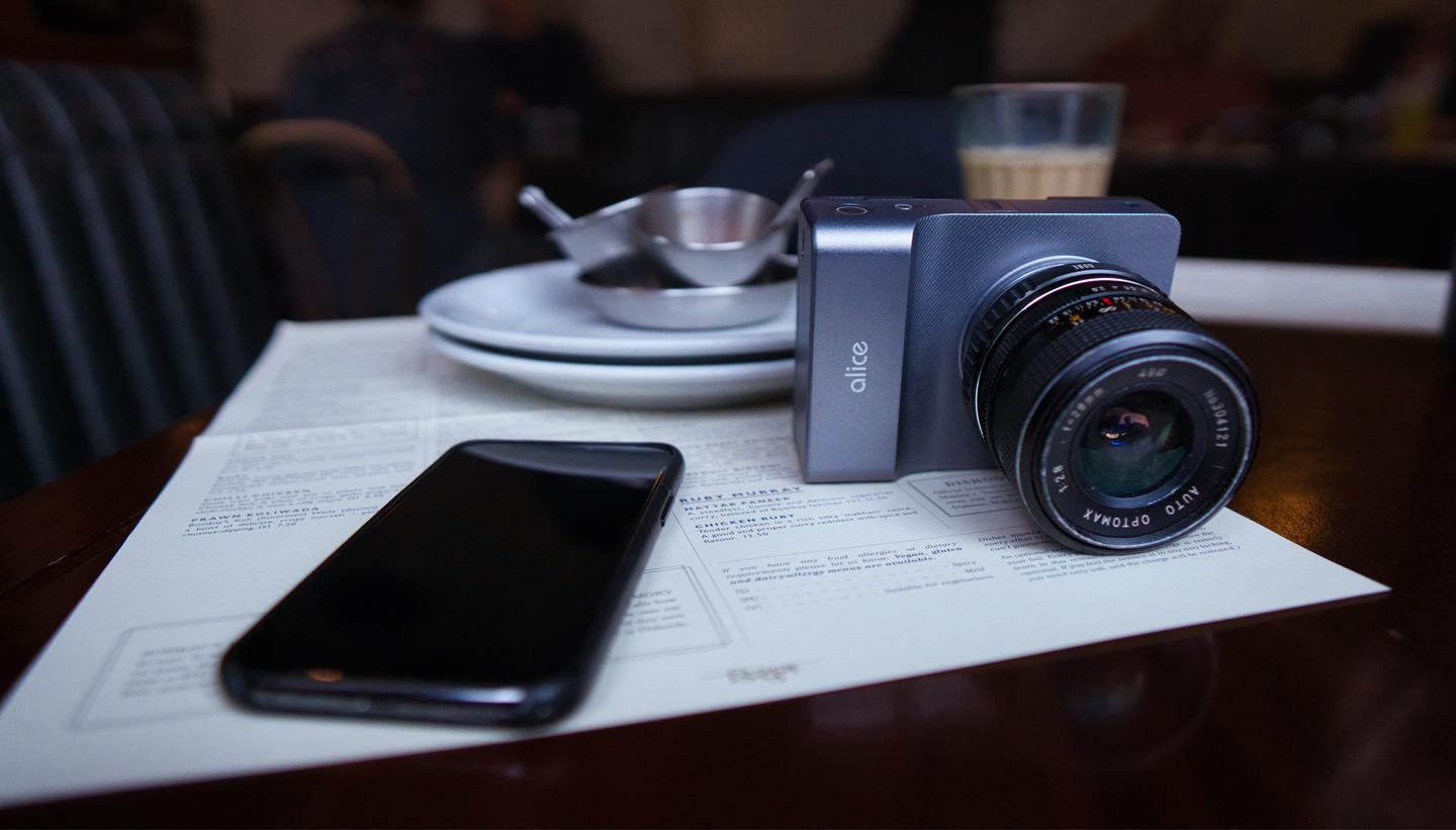 The Alice Camera wirelessly connects to a smartphone running a companion app over Wi-Fi, with Bluetooth also on board for pairing with wireless headphone and microphones
