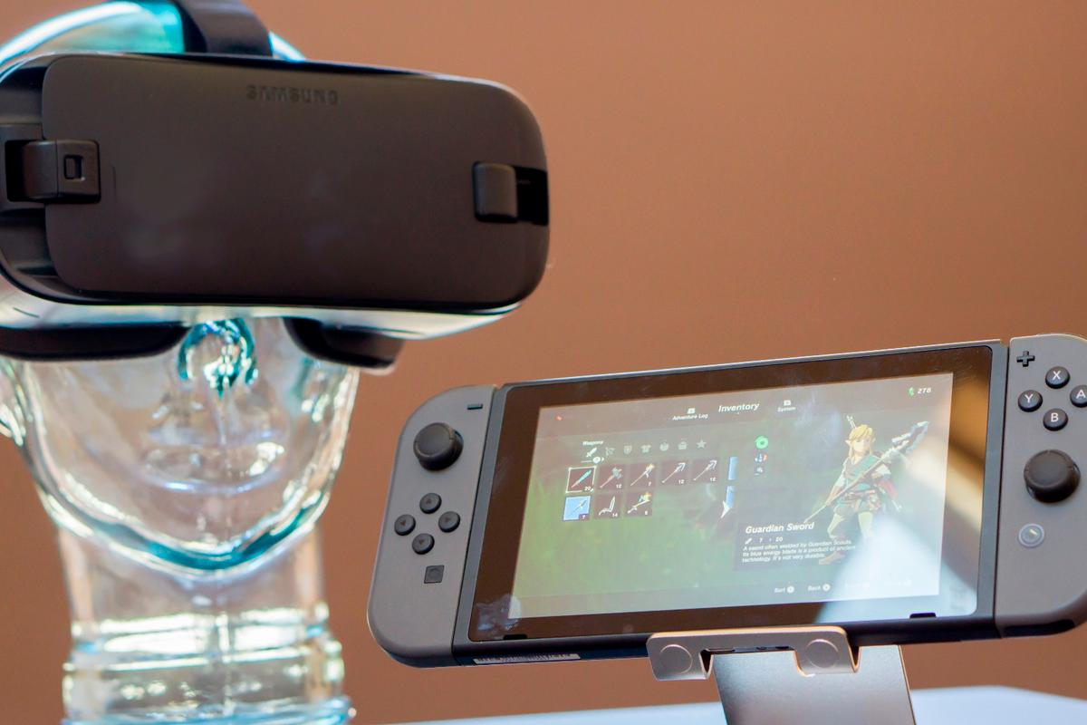While virtual reality is still waiting for its mainstream moment, companies would be wise to borrow a few strategies from Nintendo