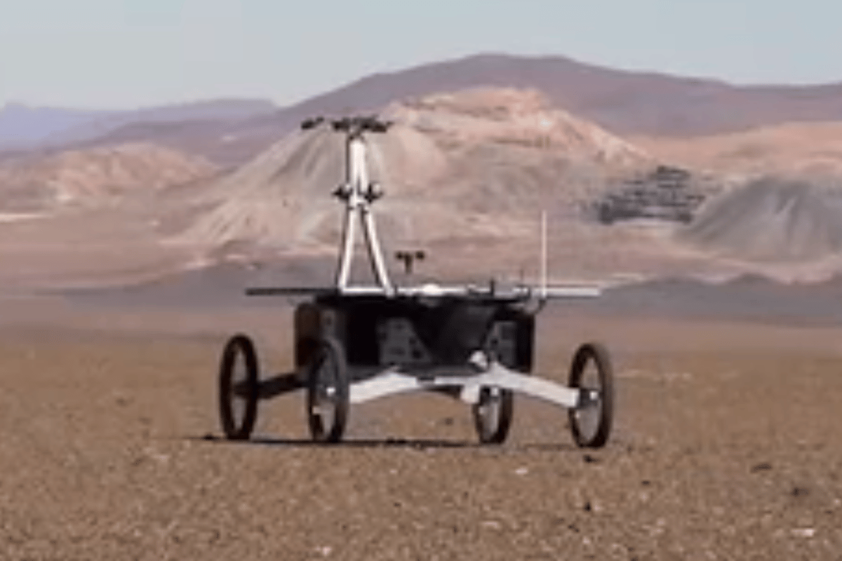 Robot Zoë in the Atacama Desert where it will test technologies and techniques to search for life on Mars