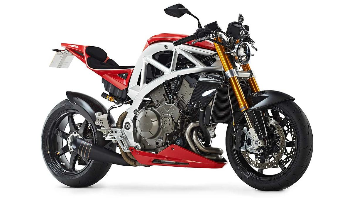 Ariel Ace as a naked streetfighter